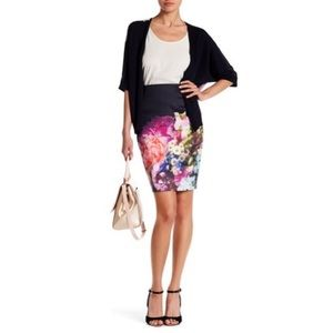 Ted Baker Karyce Focus Bouquet Pencil Skirt Size 2
